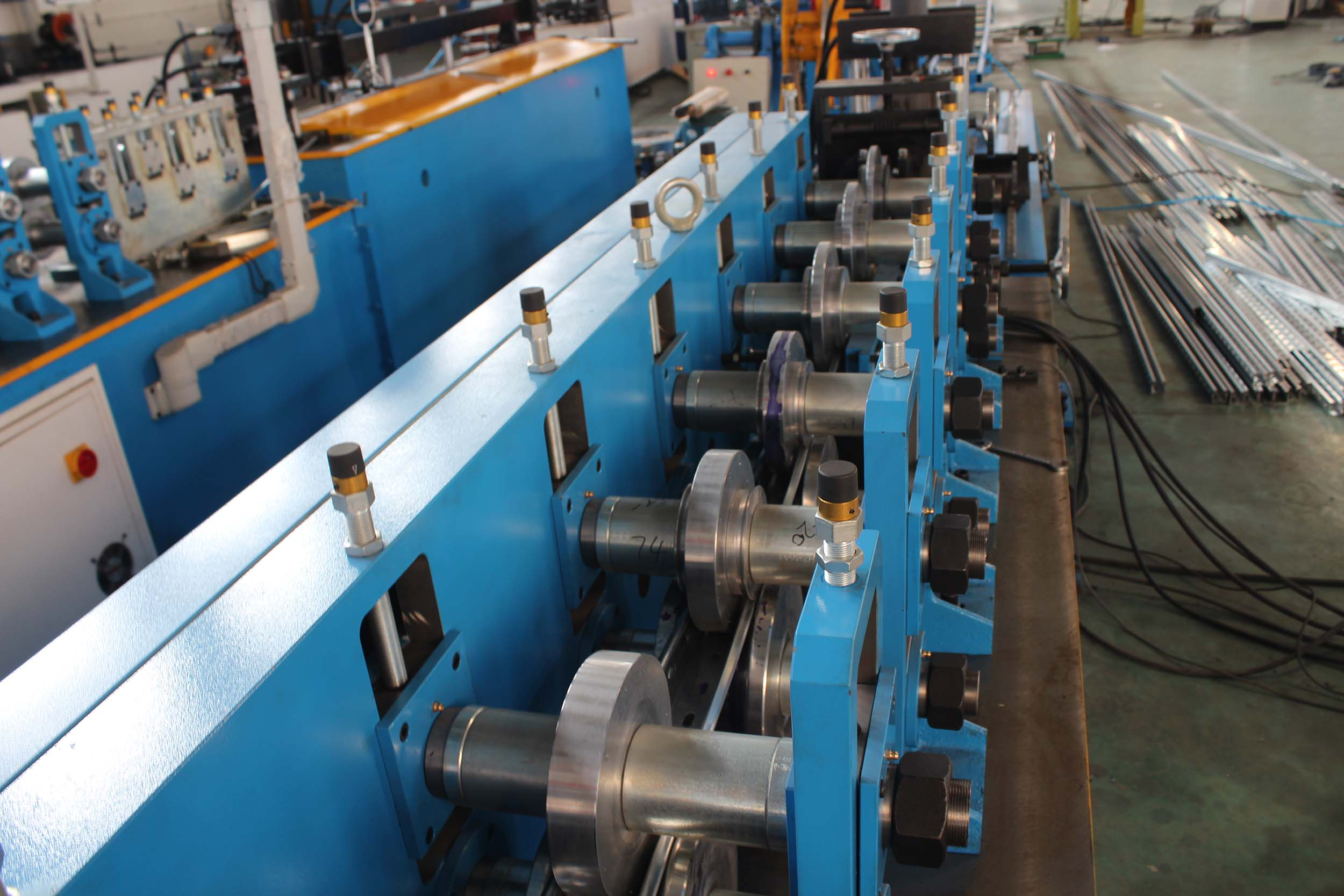 HZ SOLAR POST ROLL FORMING MACHINE